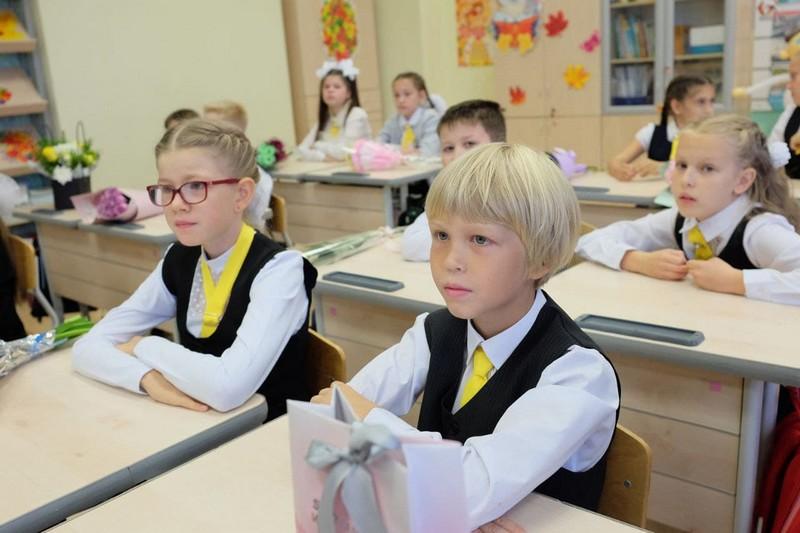 shkola 26 4 В кировской школе №26 встретили новый учебный год